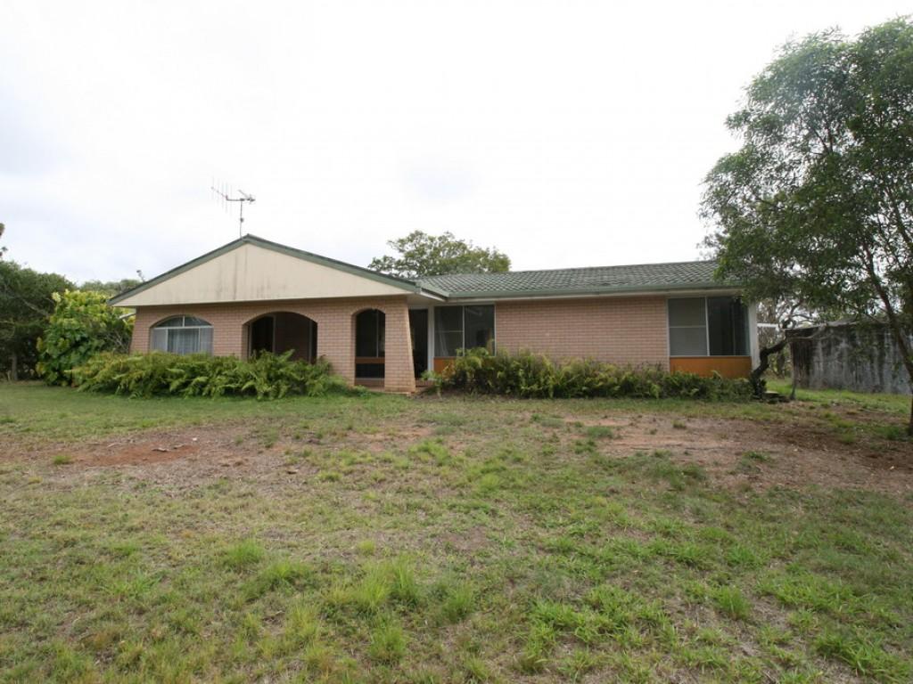 Farm for Sale - 400 Reads Rd, Avondale QLD - Farm Property