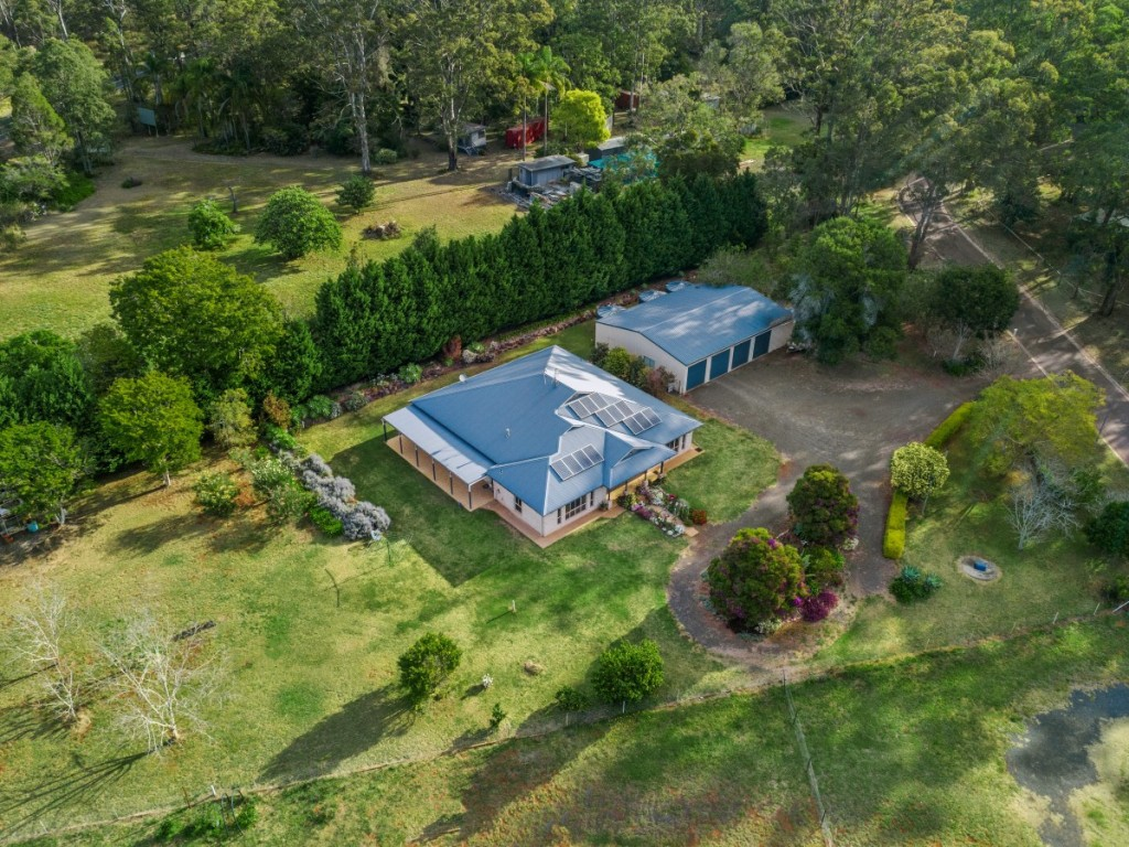 Rural Property & Farms for Sale - 8 Avonlea Court, Highfields QLD - Farm Property