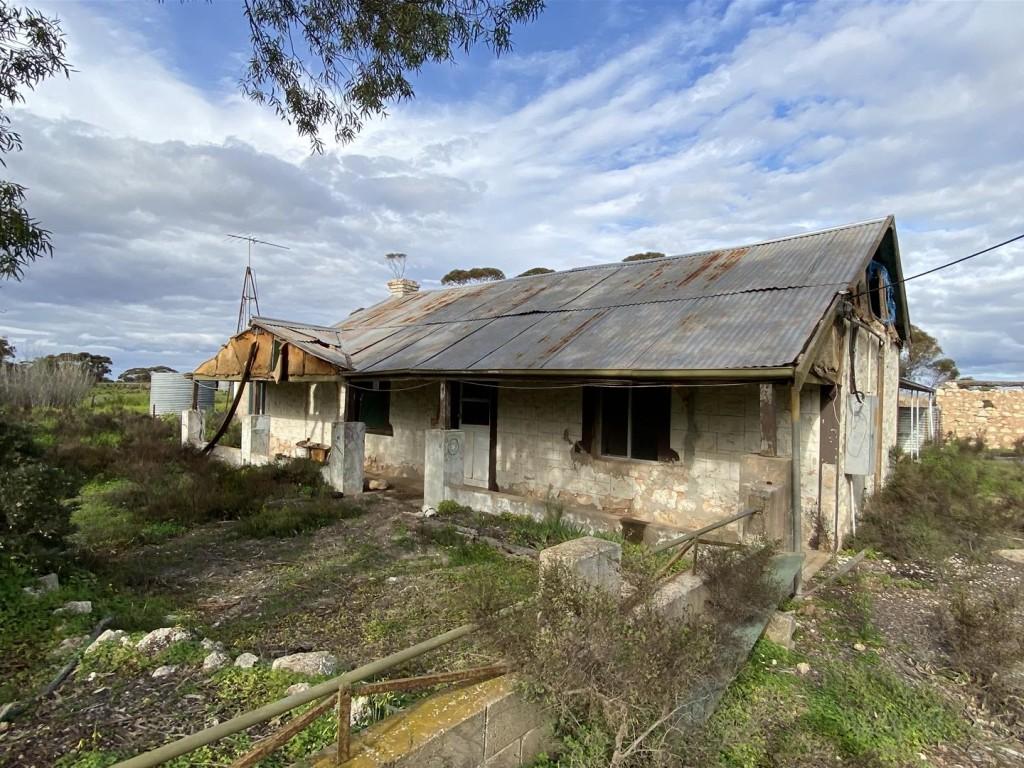 306 Lizzy Well Road, Mercunda SA