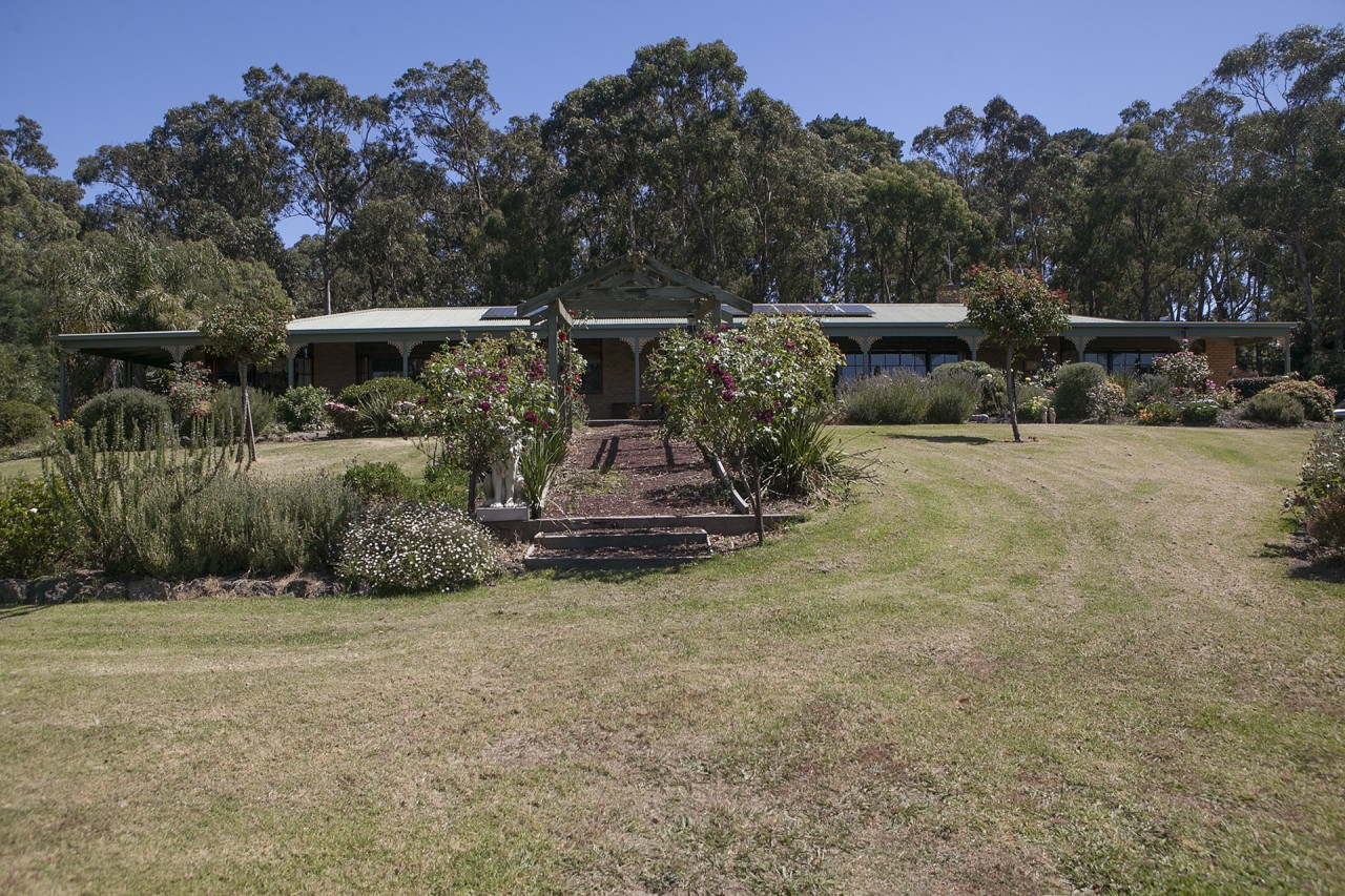 Rural Property & Farms for Sale - 85 OLD GEMBROOK ROAD - Farm Property