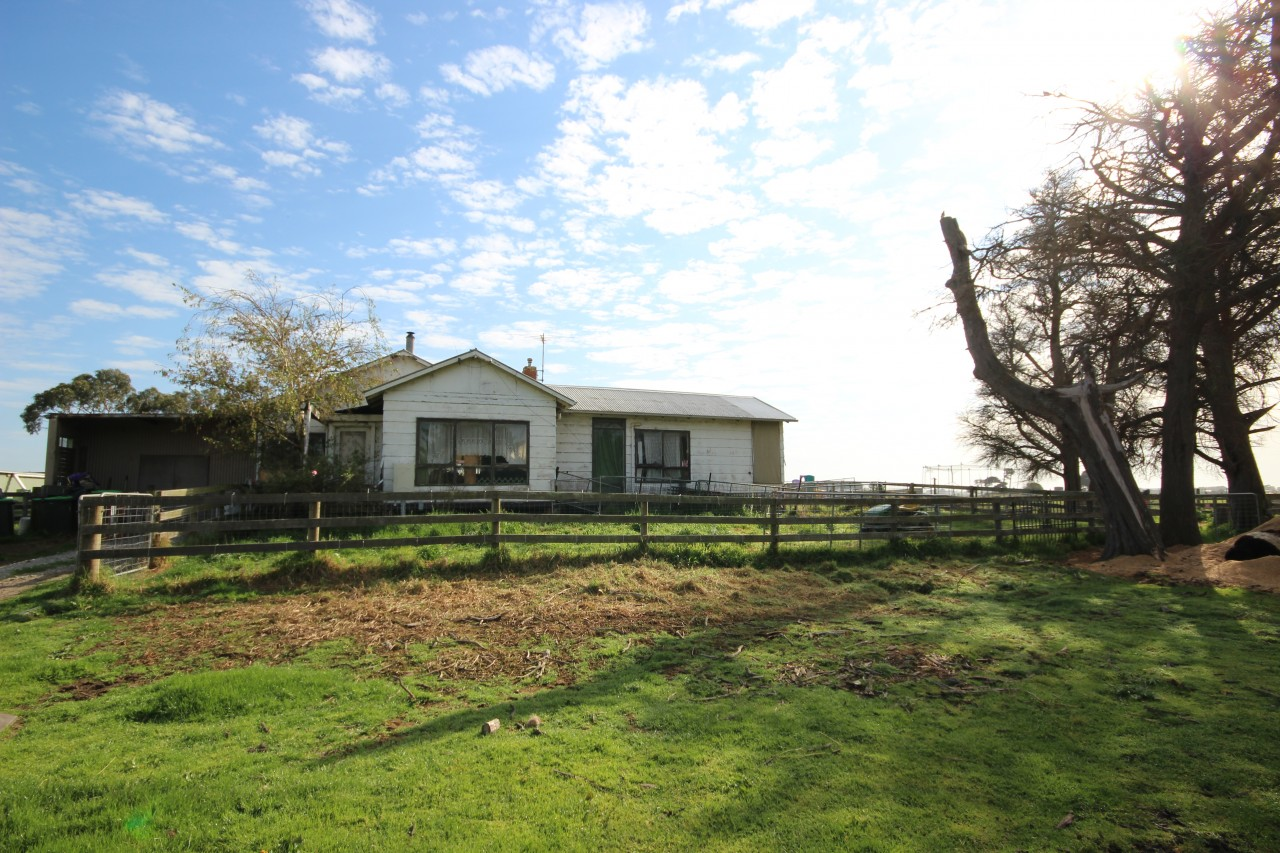 Farm for Sale - 95 PEERS ROAD, Dalmore VIC - Farm Property