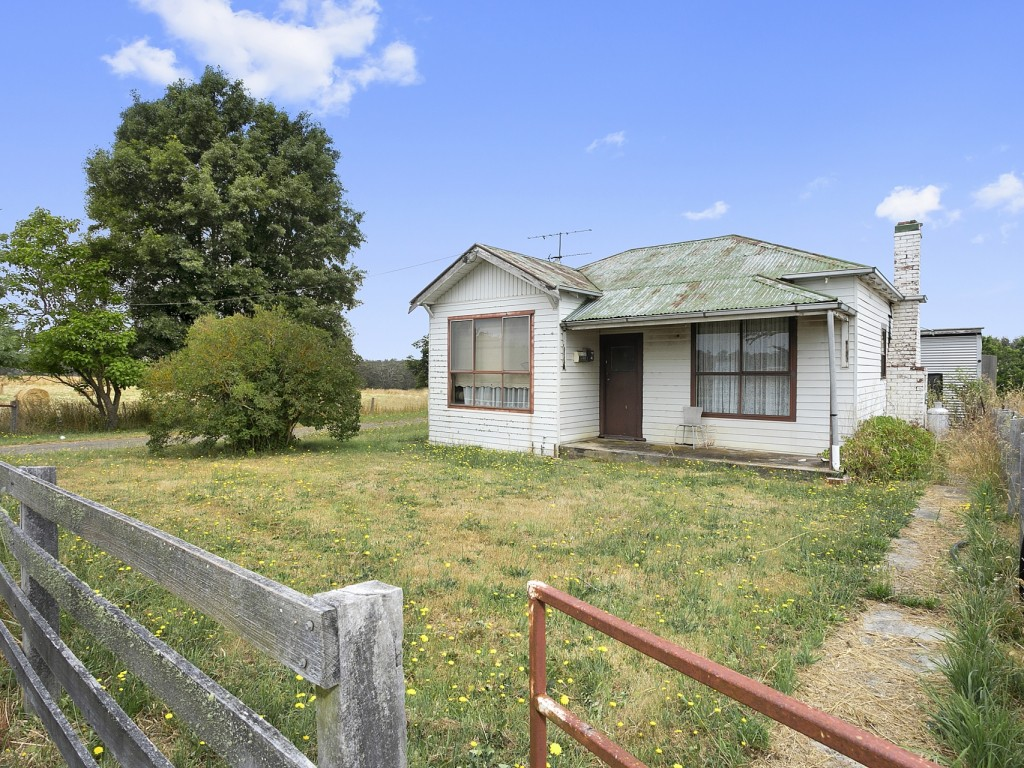 Farm for Sale - 230 Back Settlement Road, Korweinguboora, VIC - Farm Property